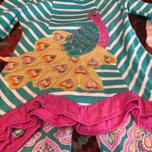 Boutique Peacock top with leggings
